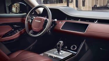 New 2019 Range Rover Evoque cabin