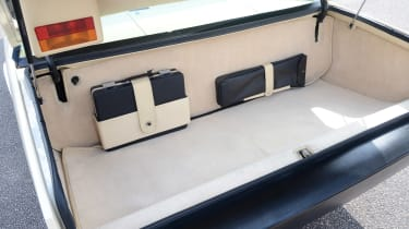 Aston Martin Lagonda - boot