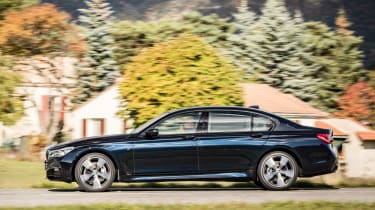 BMW 740Ld xDrive - side