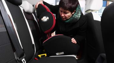 Volkswagen T-Cross 1.0 TSI - long termer first report car seat