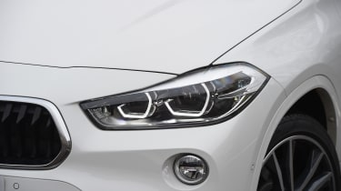 BMW X2 - headlight