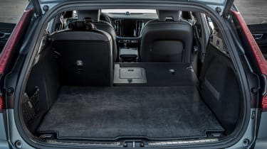 Volvo V60 Cross Country - boot seats down