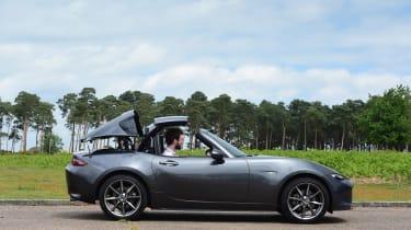 Mazda MX-5 RF long-term test - roof closing