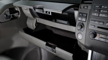 Nissan Pathfinder detail