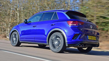 Volkswagen T-Roc R - rear tracking
