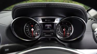 Used Mercedes SL - dials