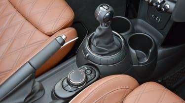 MINI Cooper S Convertible 2016 review - centre console
