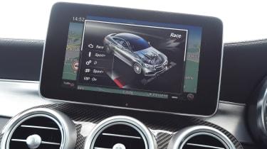 Mercedes-AMG C 63 S - infotainment