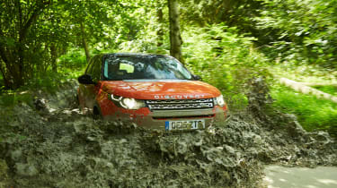 Land Rover Discovery Sport - off-roading