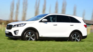 Kia Sorento long-term test - side tracking