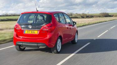 Vauxhall Meriva 2014 facelift - rear tracking