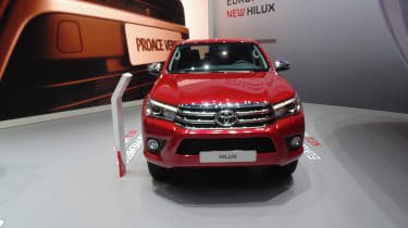 Toyota Hilux Geneva - front