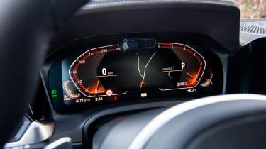 BMW 320d - dials