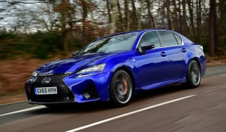 New Lexus GS F 2016 - front tracking