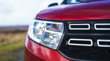 Dacia Sandero Stepway Techroad - front light