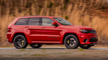 Jeep Grand Cherokee Trackhawk - side action