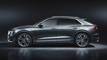Audi SQ8 - studio side