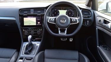 Volkswagen Golf GTE 2017 - interior