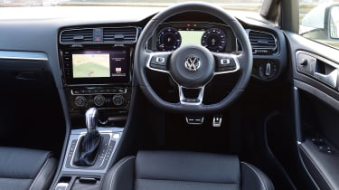 Volkswagen Golf GTE 2017 - interior
