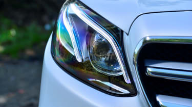 Mercedes E-Class Estate E220d UK - front light