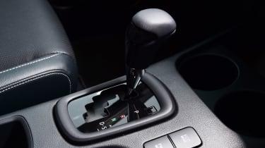 Toyota Hilux - transmission