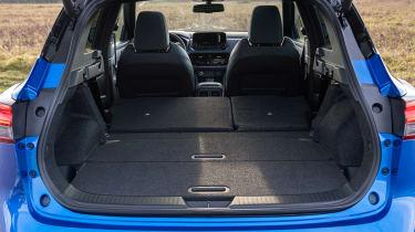 Nissan Qashqai - boot seats down