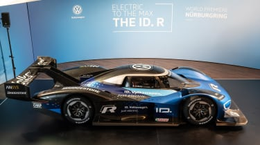 Volkswagen ID. R - side