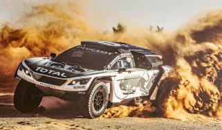 Peugeot 3008 DKR - sand driving