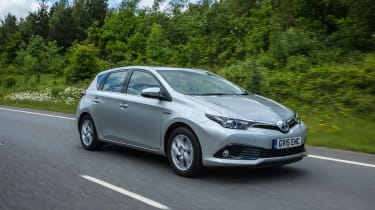 Toyota Auris Hybrid - Front Tracking