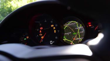 Porsche 911 Carrera T - speedo