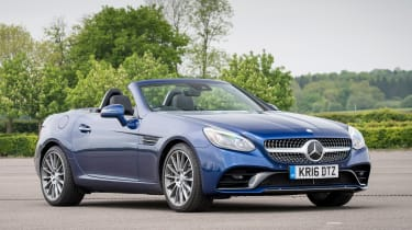 Mercedes SLC 300 2016 - front quarter