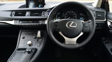 Used Lexus CT - dash