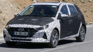 Hyundai i20 spied - front 3/4 tracking