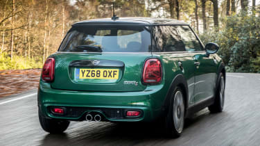 MINI Cooper S 60 Years Edition - rear tracking
