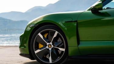 Porsche Taycan Turbo S - wheel