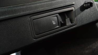 SEAT Ateca - seat lever
