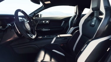 Ford Mustang Shelby GT500 - cabin