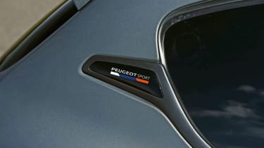 Peugeot 208 GTi - badge