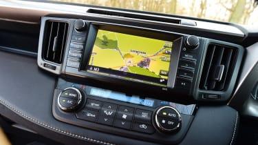 Toyota RAV4 2016 - infotainment