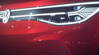 Volkswagen ID. Roomzz - front lights