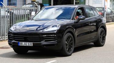 2018 Porsche Cayenne spy shot front quarter