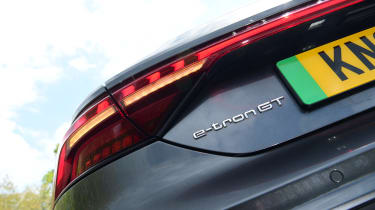 Audi e-tron GT - rear light