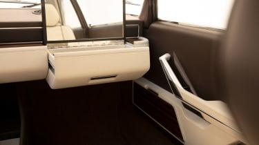BMW Garmisch concept - glovebox