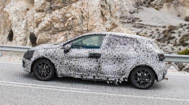 2019 Renault Clio spy shot side profile