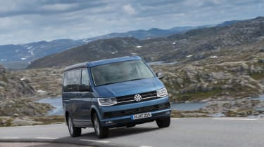 Volkswagen California T6 front tracking