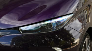 Renault ZOE R110 - front lights