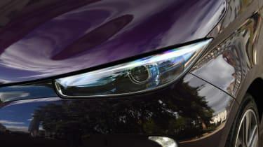 Renault ZOE R110 - front lights