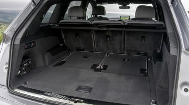 Audi Q7 - boot