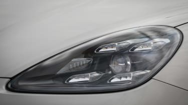 Porsche Cayenne Turbo S E-Hybrid - front light