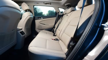 Hyundai Tucson 2016 - rear seats
